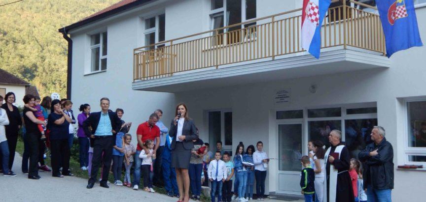 Načelnik općine dr Jozo Ivančević otvorio školu na Ustirami