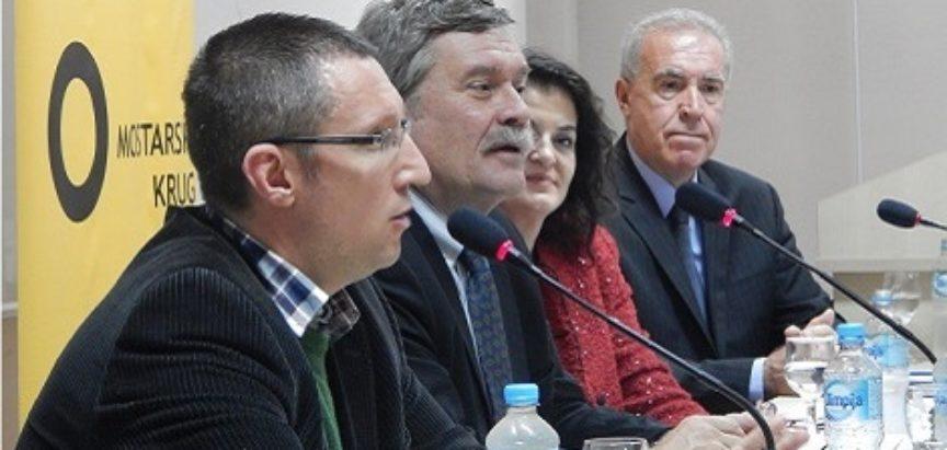 Kenneth Scott, tužitelj Prlića i ostalih kaže da će Herceg-Bosna i Hrvatska biti osuđene za udruženi zločinački pothvat, ali čini se da će sudci imati zadnju
