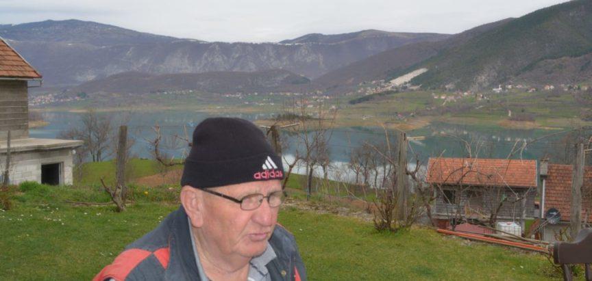 Foto-reportaža iz Kovačeva Polja: Dao bih sto Amerika za ovaj mali dio moga svemira