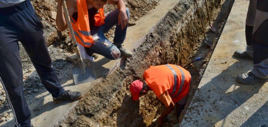 Foto/video: Radovi na zamjeni azbestnih cijevi na glavnom cjevovodu za Gornju Ramu