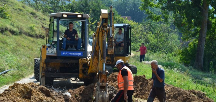 Foto/video: Vodovodna mreža za Družinoviće i Šlimac