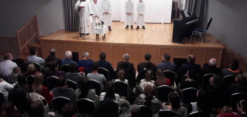Foto: Svečanost u Rumbocima: Blagoslovljena multimedijalna dvorana