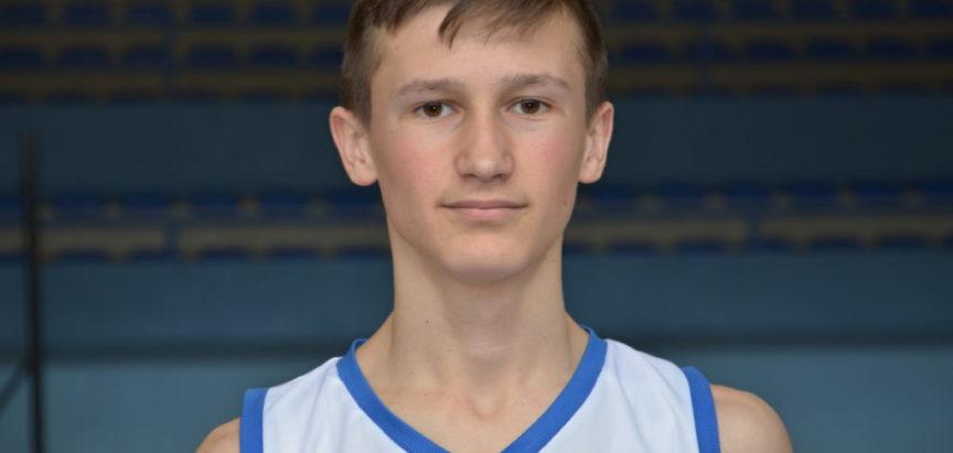 Boris Petrović, mladi košarkaš iz Rame i učenik Srednje škole Prozor ide na pripreme Hrvatske reprezentacije U 16