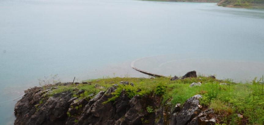 Foto: Na pomolu prelijevanje Ramskog jezera