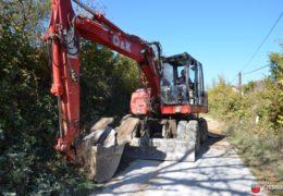 Foto: Započeli radovi na uređenju puta Ometala – Ćališi
