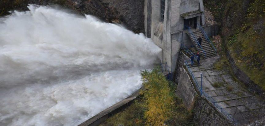 Foto: Prema najavi izvršena proba temeljnog ispusta brane Ramskom jezeru HE Rama