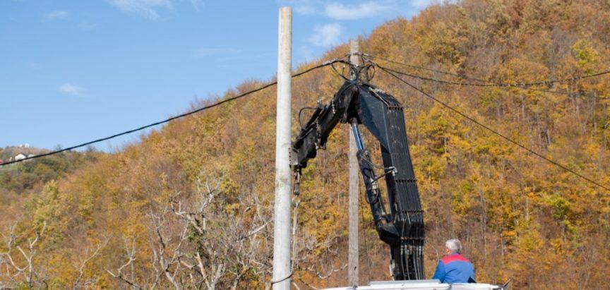 Foto/video: Sanacija niskonaponske mreže u uzdolskom zaseoku Križ