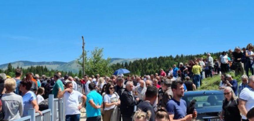 Sveti Ante, jedan od najomiljenijih svetaca među katolicima u BiH i Hrvatskoj proslavljen na Gračacu, Zvirnjači, Kominu i Pidrišu
