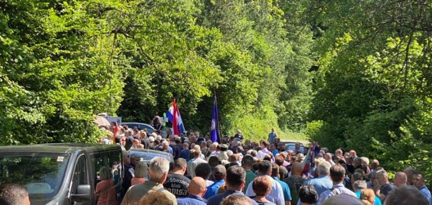 Trideseti spomen pohod kod jame Jazovke