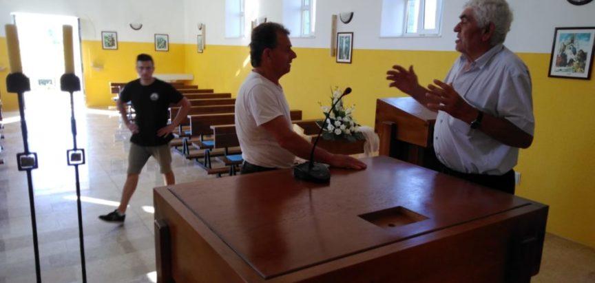 U Zvirnjači, filijali župe Rumboci postavljen novi oltar