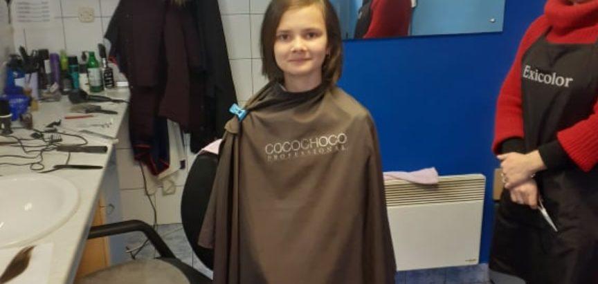 AJLA SEFER: Nekadašnji hrabri borac protiv karcinoma, danas kosu daruje drugoj oboljeloj djeci