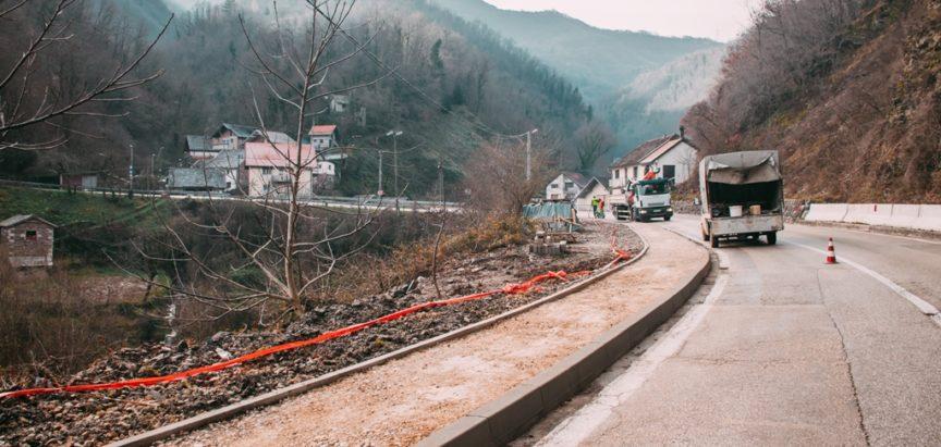 Završna faza pješačke staze na Gračacu