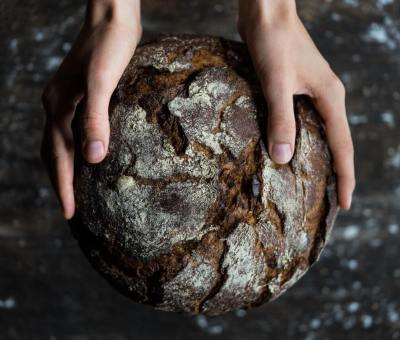 Recept na najzdravší chlieb na svete, ktorý si môžu vychutnať aj ľudia so zvýšeným cholesterolom aj cukrovkári!
