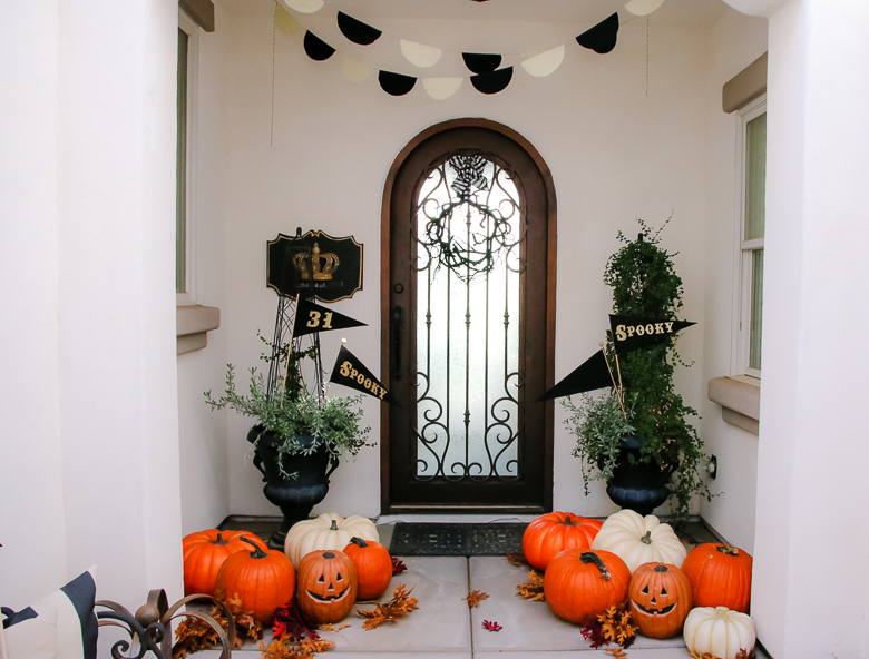 5 Days Of Halloween Day 1 Classic Halloween Porch And Entry Table