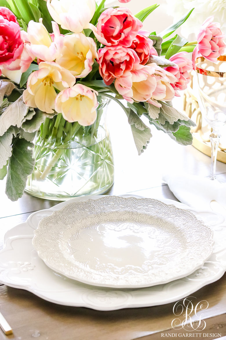 Links I'm Loving-spring-entertaining-ideas-with-fresh-flowers-randi-garrett-design