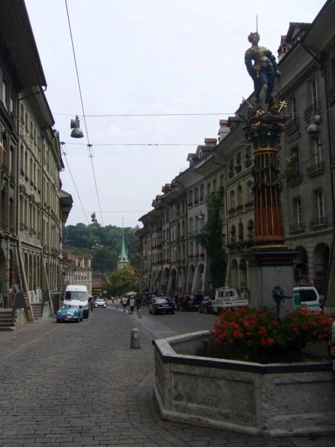 Fontanny w Bernie, Kramgasse, główna ulica hanldlowa w Bernie