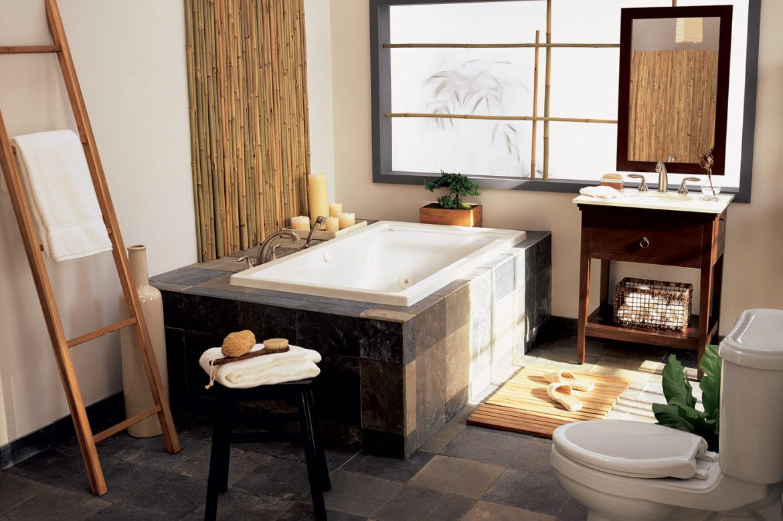 LUXURIOUS BATHTUBS