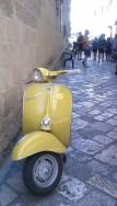 25-Gallipoli ruelles scooter et eglises1