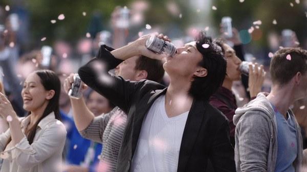 アサヒスーパードライ CM 「桜吹雪」篇