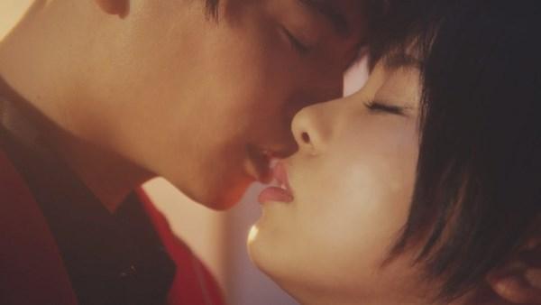 『君の唇を離さない』Music Video