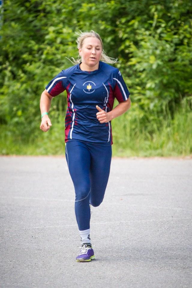 crossfit athlete Liina Vartia running