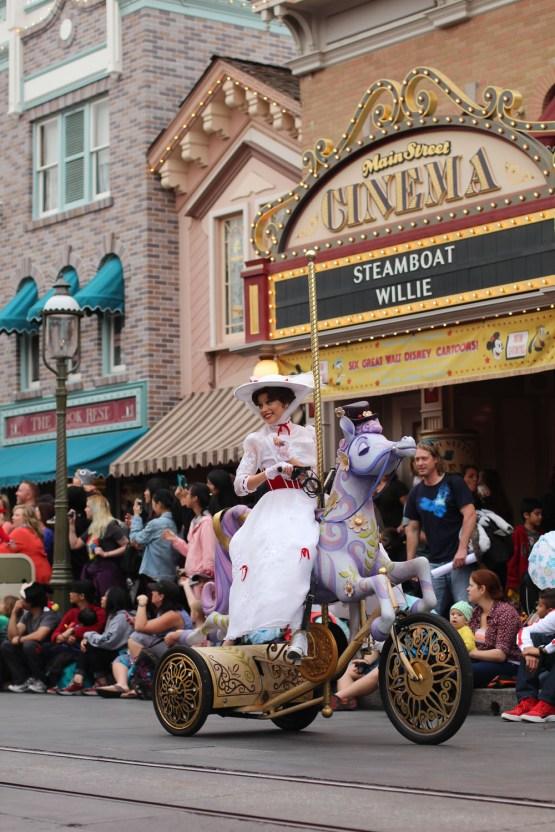Marry Poppins - Disneyland Parade