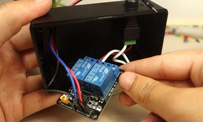 Control 12V Lamp via SMS with Arduino | Random Nerd Tutorials