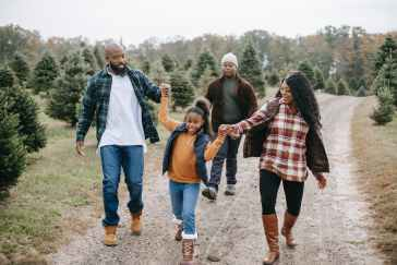 A family walk @Randomnestfamily