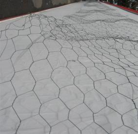 wire netting 2 flipped (Medium)