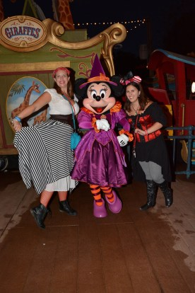 PhotoPass_Visiting_Mickeys_Not_So_Scary_Halloween_Party_7482704538