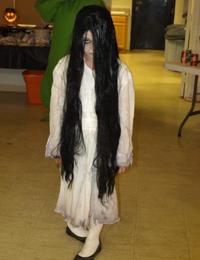 25 Women Halloween Costume Ideas To Try - Flawssy   Creepy Girl Halloween Ideas