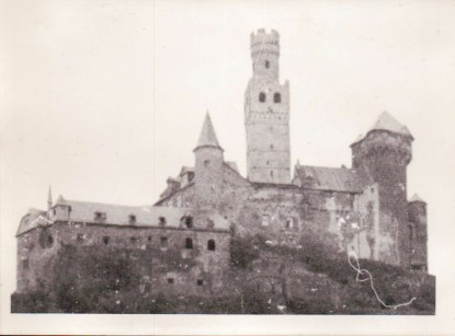 74-02 - enlargement of castle