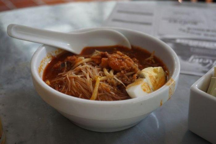 Los Prawn Hokkie Noodles en el Heng Keng Hotel, George Town.