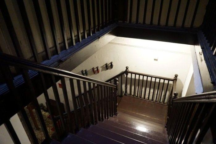 El interior de nuestro hostal en Muntri Street, una shophouse
