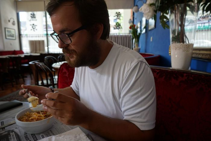 Christian desayunando noodles picantes!