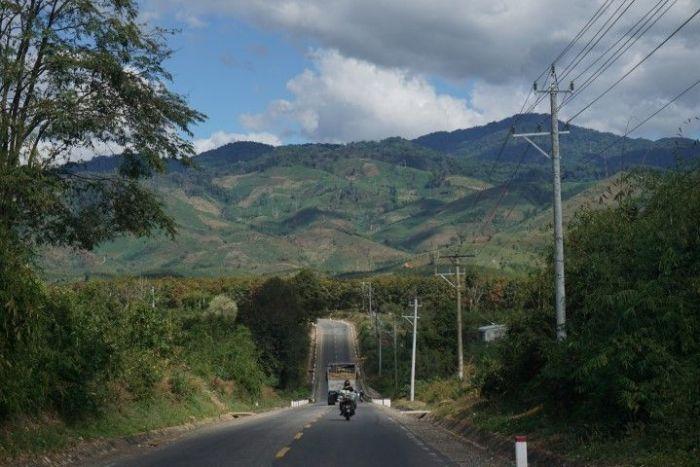 Viajar en moto por las tierras centrales fue el plato fuerte de nuestras aventuras por el país