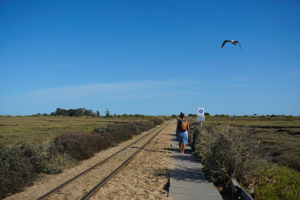 Lo ideal para llegar a la Praia do Barril es ir caminando y volver en tren, o al revés.