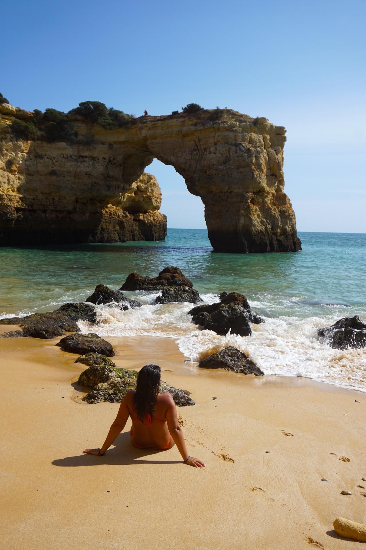 El arco natural de la playa de Estaquinha