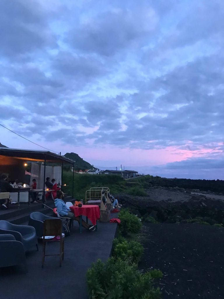 Atardecer en nuestro restaurante favorito de la isla: Maresía