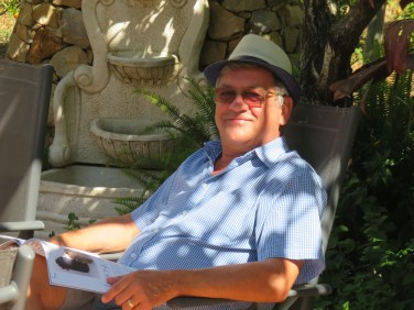 When I arrived back from Fuzeta, Marc was sitting in the shade by the pool just waiting for me.....we made the return walk together and had lunch in town.