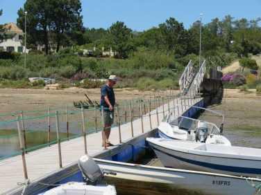 We walked out on all the piers in Pinheiro checking out the fish, crabs etc.. You can watch the activity for hours and not be bored.