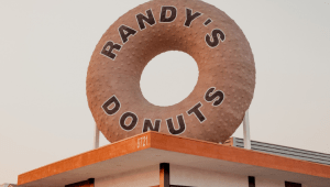 Randy's Donuts giant rooftop donut at Randy's Downey location