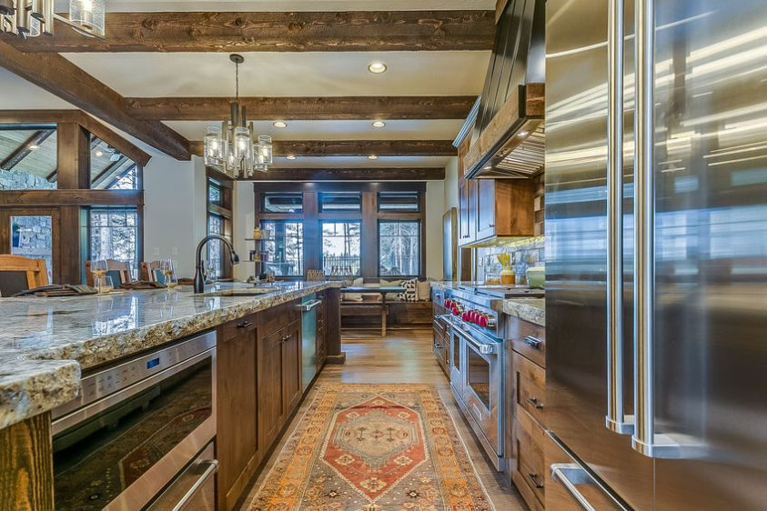gorgeous galley kitchen