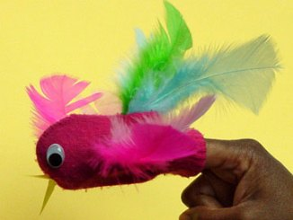 Parrot finger puppet