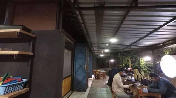 Hekya! (the sense of street cafe)