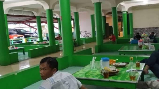 Rumah Makan Gubug Istana II