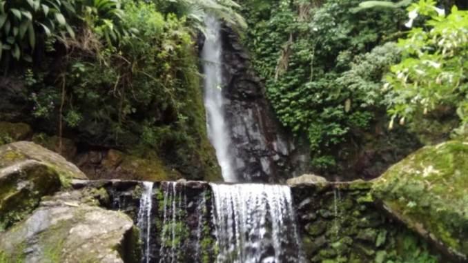 Wisata Karanganyar Air Terjun Parang Ijo