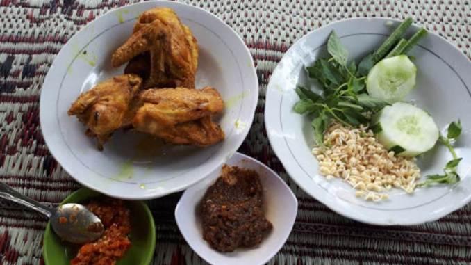 Ayam Goreng Kampung Mbah Karto Tembel