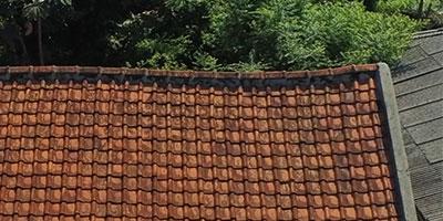 murah mana baja ringan atau kayu atap yang melendut rangka harga pasang