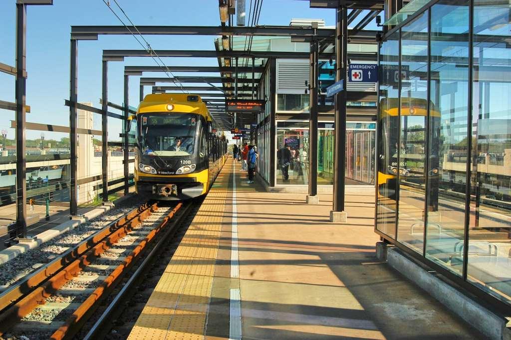 Hiawatha Light Rail on track